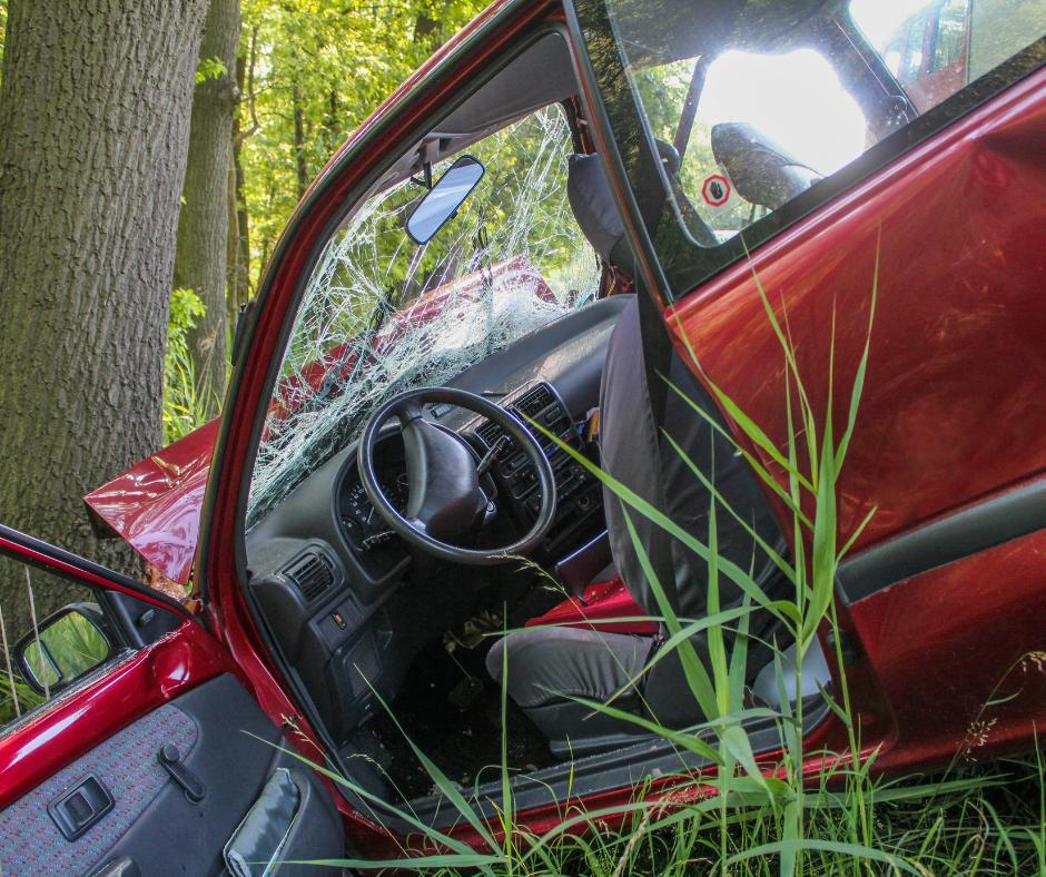 Accidentes mortales en carretera Foto accidente de tráfico-accidente de coche-indemnización accidente tráfico-lesionados-fallecidos-transporte publico-turismos-caidas-incapacidad-minusvalia-atropello